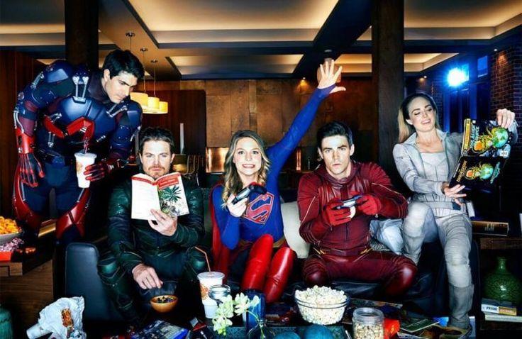 """La chaîne américaine CW a publié le premier teaser du crossover entre la série """"Arrow"""", """"Flash"""", """"Supergirl"""" et """"Legends of..."""