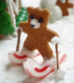 Very cute idea to do with the kids! (Nice change from decorating a gingerbread house or nice addition to one!)