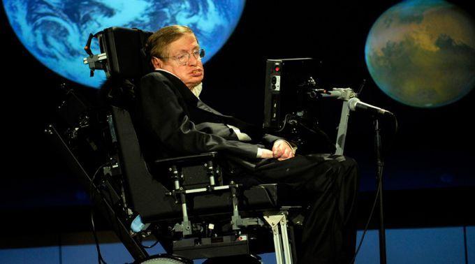 A minha fé em Deus salvou a vida do cientista ateu Stephen Hawking, assegura sua ex-esposa