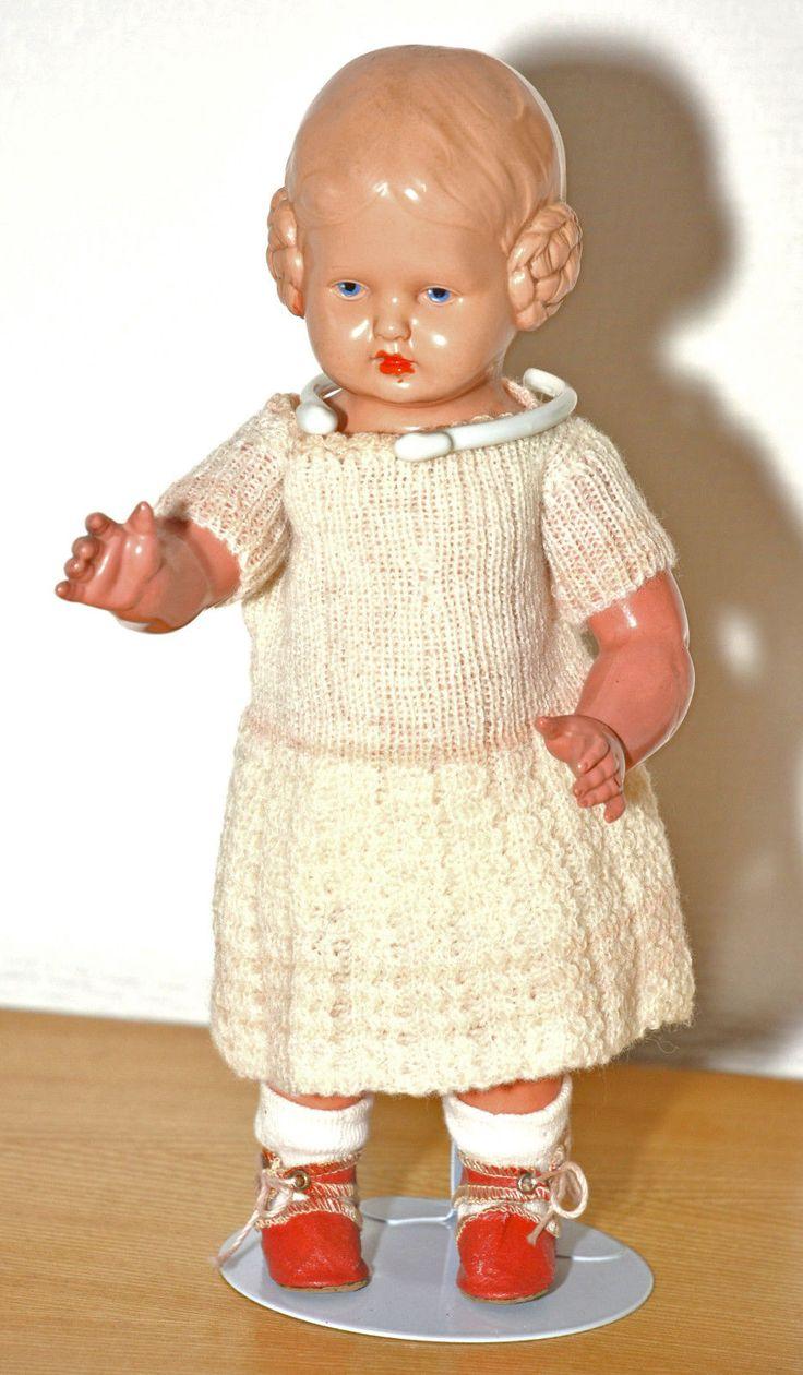 Schildkröt Puppe Bärbel, 25,5 cm. Blaue gemalte Augen. Mit Kleidung u. Ständer • EUR 29,00 - PicClick DE
