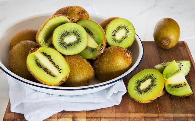 TO PEEL OR NOT TO PEEL... To peel or not to peel?? Today's new post on our website takes a close look at this nutrient dense, #fuzzyfruit and a local #GoldCoastHinterland grower  💚