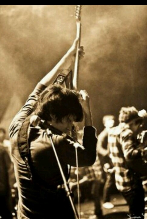 Iga Massardi (Indonesian talented guitarist)