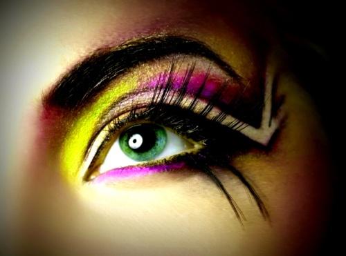 Amazing eye make up!