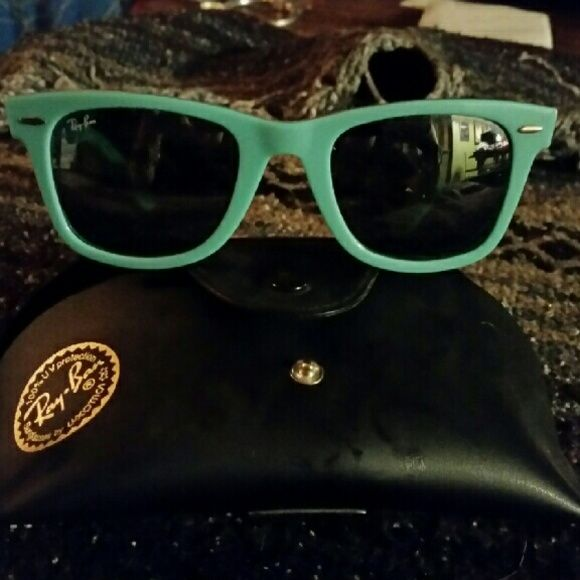 Ray Bans wayfarer polarized turquoise Like new ray bans with case Ray-Ban Accessories Sunglasses