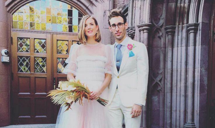 Celebrity Wedding: Former model Agyness married her boyfriend, Joel McAndrew.