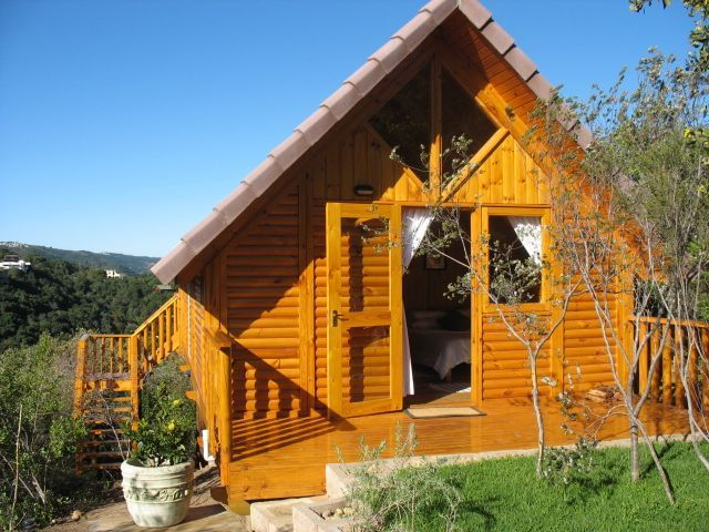 Lolly's Cottage accommodation near Knysna, Western Cape. If you are looking for a special place to spend some time with a special someone, look no further than Lolly's Cottage.