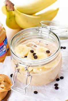 Bananen-Erdnussbutter-Overnight-Oats mit Chocolate Chips {vegan}