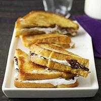 Chocolate-Marshmellow Sandwiches