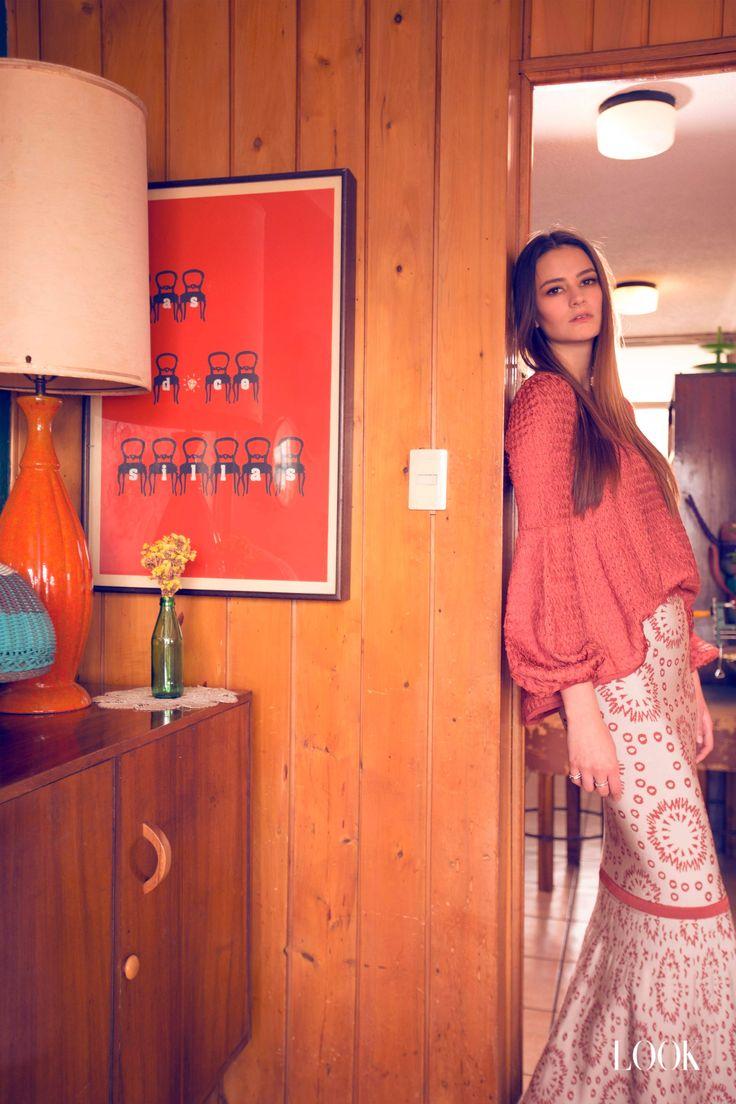 @lookmagazinegt Fashion Editorial #BurkingBlouse & #AyoSkirt #pepapomboguatemala #pepapombo
