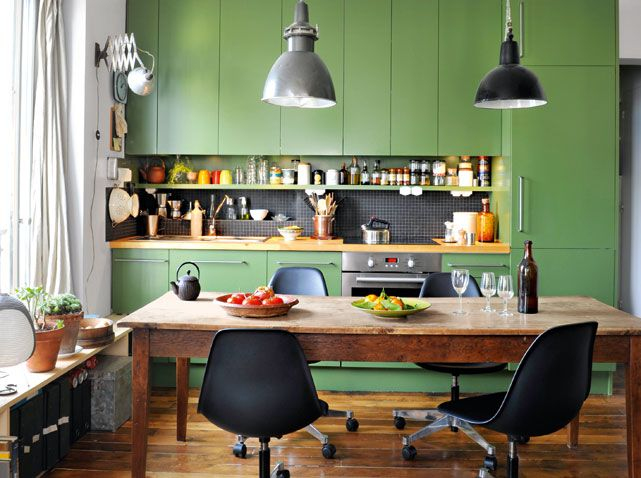 Un studio de 29 m² / A studio apparment of 29m² : http://www.maison-deco.com/petites-surfaces/amenagement-petites-surfaces/Un-studio-de-29-m2