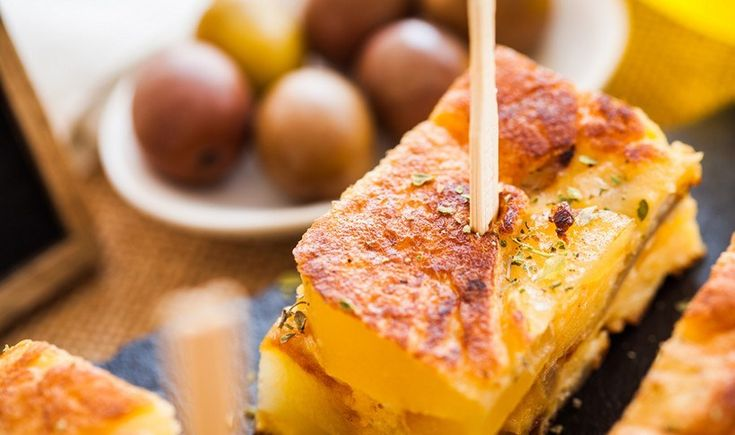 Tortilla de patatas (ισπανική ομελέτα)