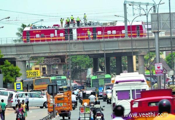 Men working at Chennai Metro, Chennai
