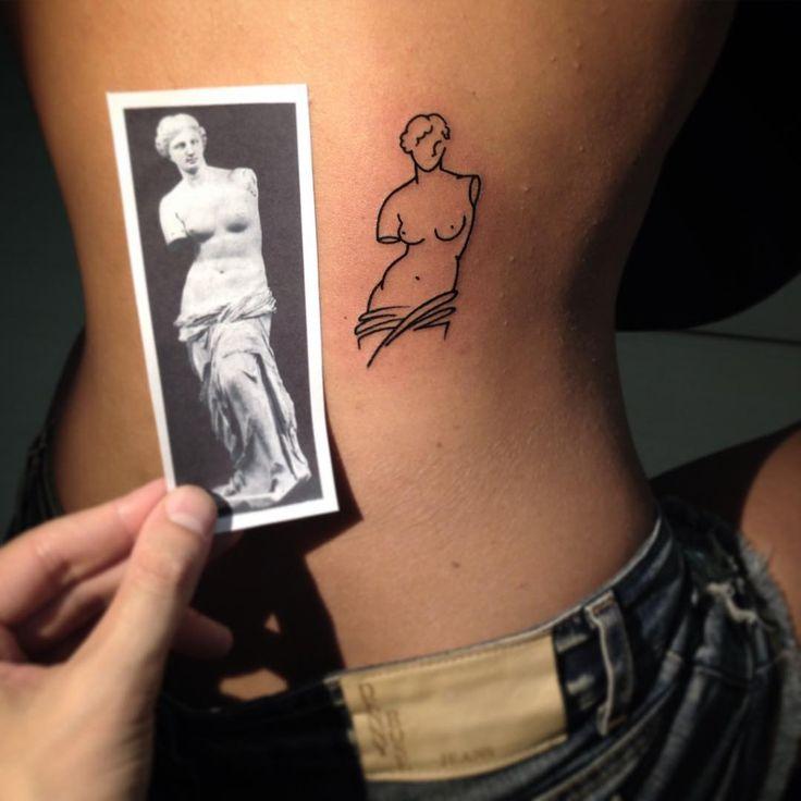 Minimal Venus #venus #girlswithtattoos  #minimaltattoo  #thinkbeforeuink #tattooed #tattooer #tattooersubmission #tattooartist #lucabraidottitattoo #coldstreet