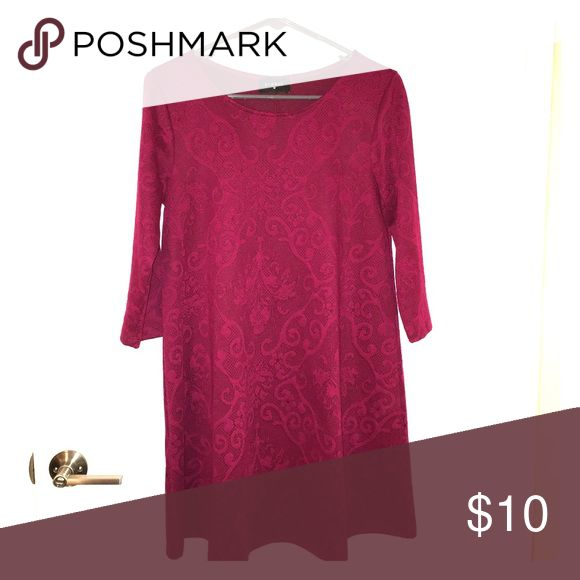 BOUTIQUE BURGUNDY EVERLY DRESS Super cute, never worn. Great for fall and winter!! Everly Dresses Midi