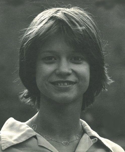 Görbe Nóra; Született: Magyarország, Debrecen, 1956. szeptember 3.; ismertebb szerepei:
