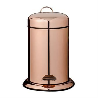 The copper colored pedal bin from Bloomingville suits perfect in the bathroom, kitchen or at the office. The pedal bin has a trendy design and is coated with a shiny copper color. The lid opens with a smart pedal and the handle makes it easy to move the bin. A stylish interior detail that definitely will become an eye catcher in your home!