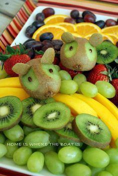 Hoje é dia de soltar a criatividade e inventar moda! Mas fala a verdade, um prato saudável e bem decorado tem seu lugar! A criançada adora e você fica bem na fita! A dica é usar o que tem na fruteira e colocar a imaginação pra funcionar. Praticamente todas as frutas e legumes rendem uma …