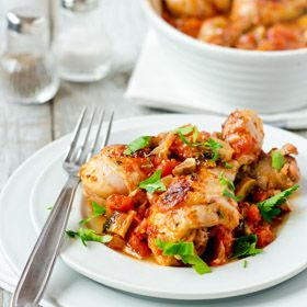 Healthy Chicken Drumsticks with Tomatoes and Mushrooms