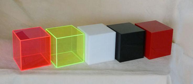 cubo in plexiglass colorato