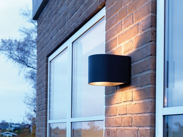 LightU outdoor wall lamp, private residence, Denmark