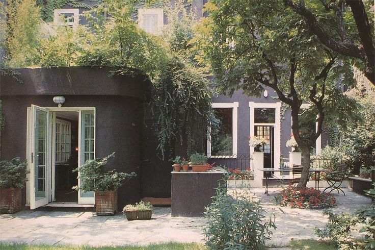 Detached home with private garden close to Piazza Sicilia, Milan, Italy – Luxury Home For Sale