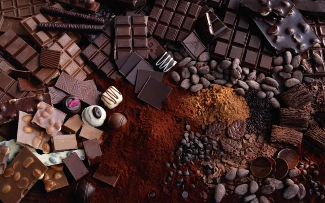 Have you ever wondered how chocolate is made? This article will explain every step of the chocolate making process, from its roots as the cacao bean to finished chocolate bars.