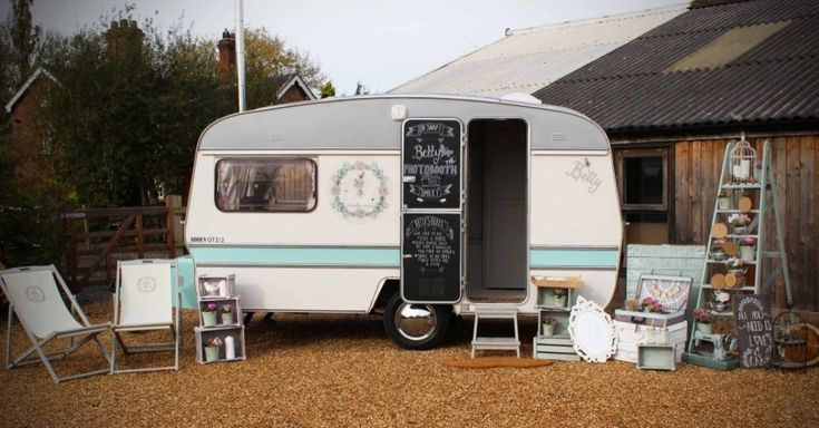 The Vintage Caravan Photobooth is perfect for all Events, Parties, Weddings and Functions. A quirky addition for those looking for something a little bit different or those who want to really finish off their Vintage theme.