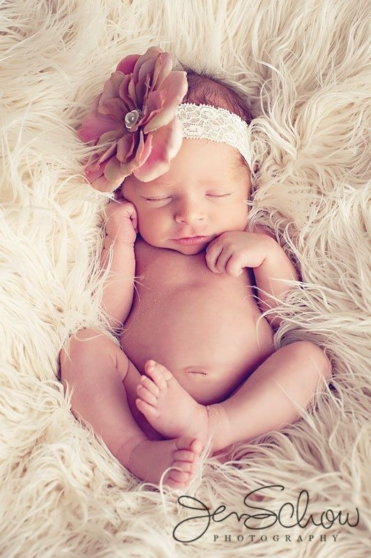 Babyshooting #Blumenband #Babyfoto #Inspiration #Shooting…