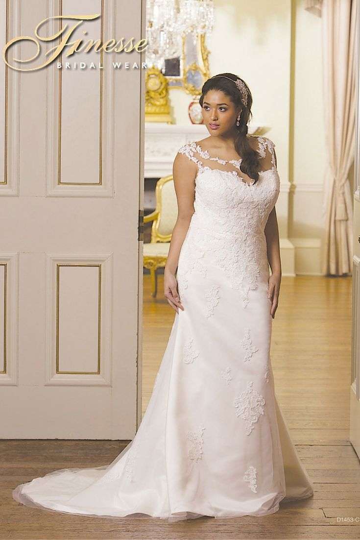 Gorgeous fuller figure wedding dress with flattering lines for Wedding dresses for fuller figures