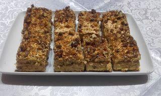 Retete cu margareta cismasiu: Prajitura cu nuci si caramel