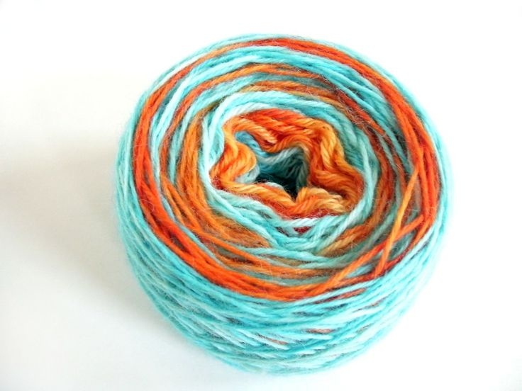Dye yarn with Kool-Aid: how to dye yarn go get LONG colorways. (Part 1 of 2-part post re dyeing w/ Kool-Aid.)