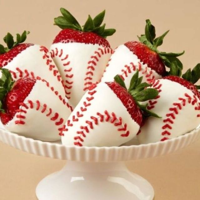 Baseball baby shower @Shanna Freedman Freedman Freedman Holloway These are cute but I'm not helping with them. haha