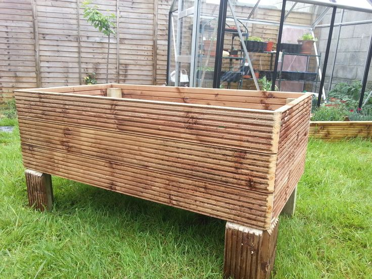 111 best images about planter box plans on pinterest for Tapered planter box plans