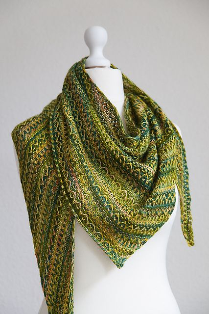 Ravelry: Frieze Shawl pattern by Lisa Hannes