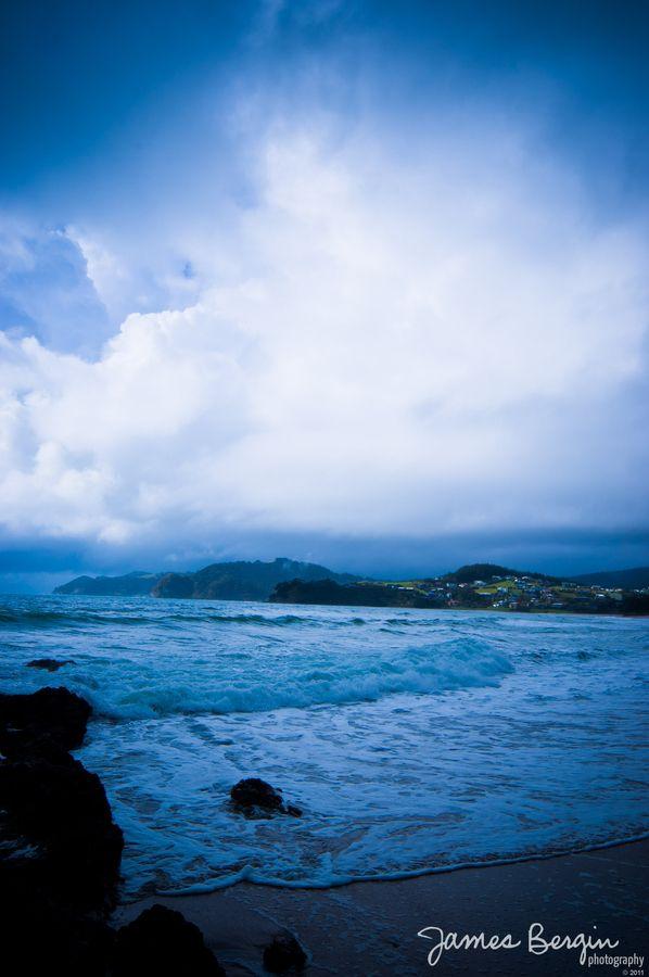 The waves at Waipu Cove beach