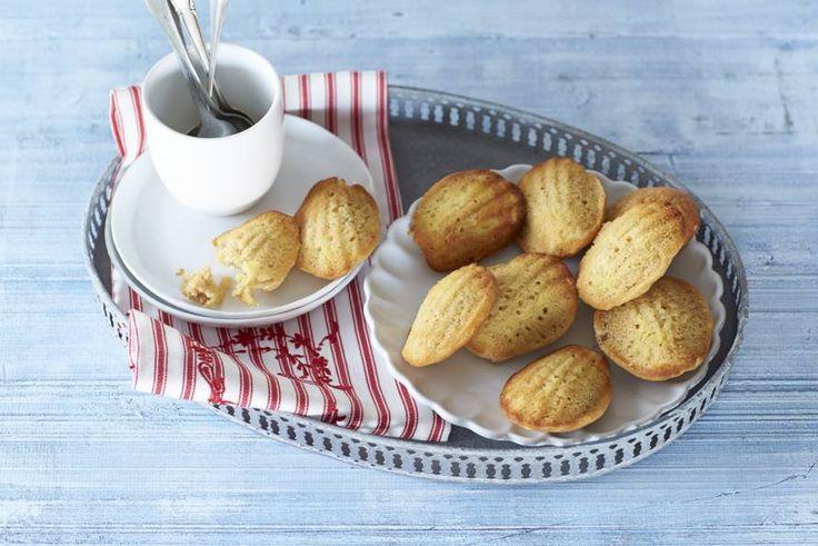 Madeleines zijn onweerstaanbaar lekker. Helemaal deze variant met appel en kaneel! Recept - Madeleines met appel en kaneel - Allerhande