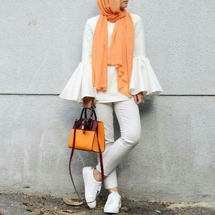 90+ Elegant Muslim Outfits Ideas for Eid Mubarak https://fasbest.com/90-elegant-muslim-outfits-ideas-eid-mubarak/