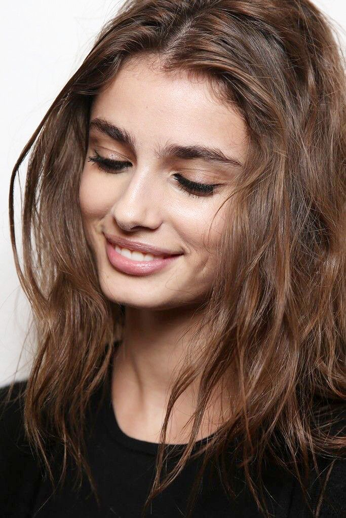 Taylor Marie Hill - Backstage at Versace Fall 2015 | MFW. Source: Delphine Achard Photography.