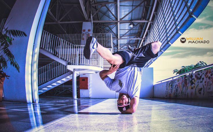 """Até o dia 26 de setembro, a Fábrica de Cultura Vila Nova Cachoeirinha apresenta a exposição """"O Breaking"""". A mostra reúne fotografias sobre este estilo de dança de rua, que foram feitas pelo fotógrafo Willian Machado. A entrada é Catraca Livre."""