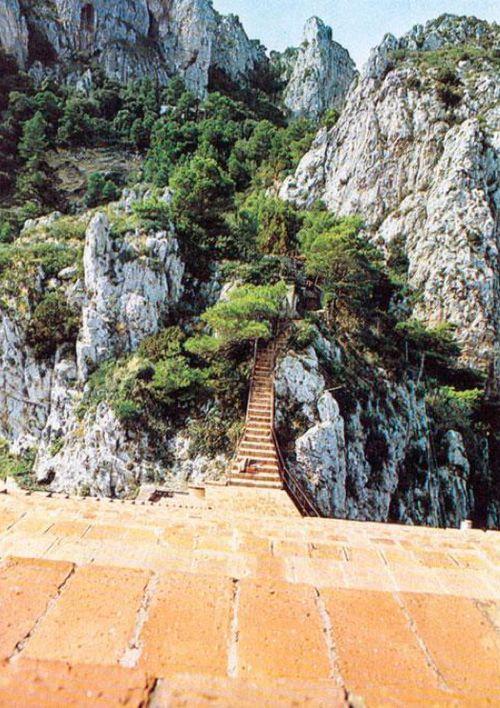 ADALBERTO LIBERA villa Malaparte a Capri Napoli #malaparte #libera #capri #stair #architecture