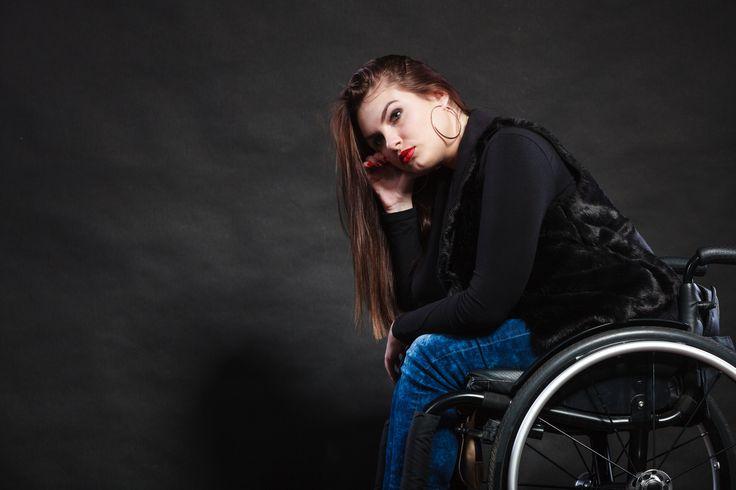 De som er mye utendørs i ungdomstiden, har nesten halvert risiko for å bli rammet av multippel sklerose (MS) senere, viser ny, norsk studie.