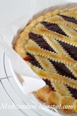 Per la crostata classica utilizzo il metodo che mi hanno insegnato al corso base di pasticceria professionale alla scuola di cucina A Tavol...