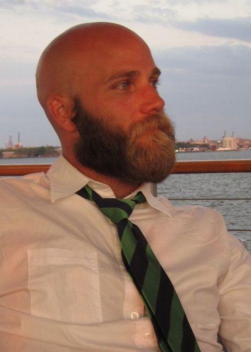 Kel ve seyrek saçlı erkekler için 2016'nın sakal modelleri . Erkek bakımı denildiğinde akla ilk olarak sakal ve bıyıklar gelir. Kel ve seyrek saçlı erkekler için 2016'nın sakal modelleri tüm bakımlı erkekler için yeniden şekilleniyor. . Detaylı bilgi ve resimler için ( FOR MORE INFO & PICTURES ) : www.designcoholic.com/moda-tasarim/kel-ve-seyrek-sacli-erkekler-icin-2016nin-sakal-modelleri.html