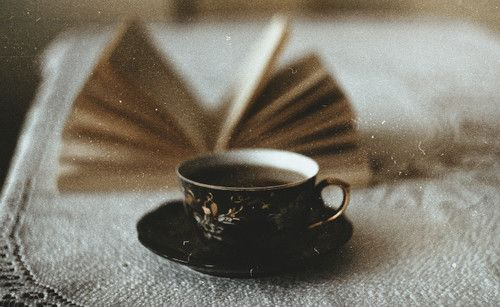 What is about the combination of a black tea or a nice coffee and a book? So good.