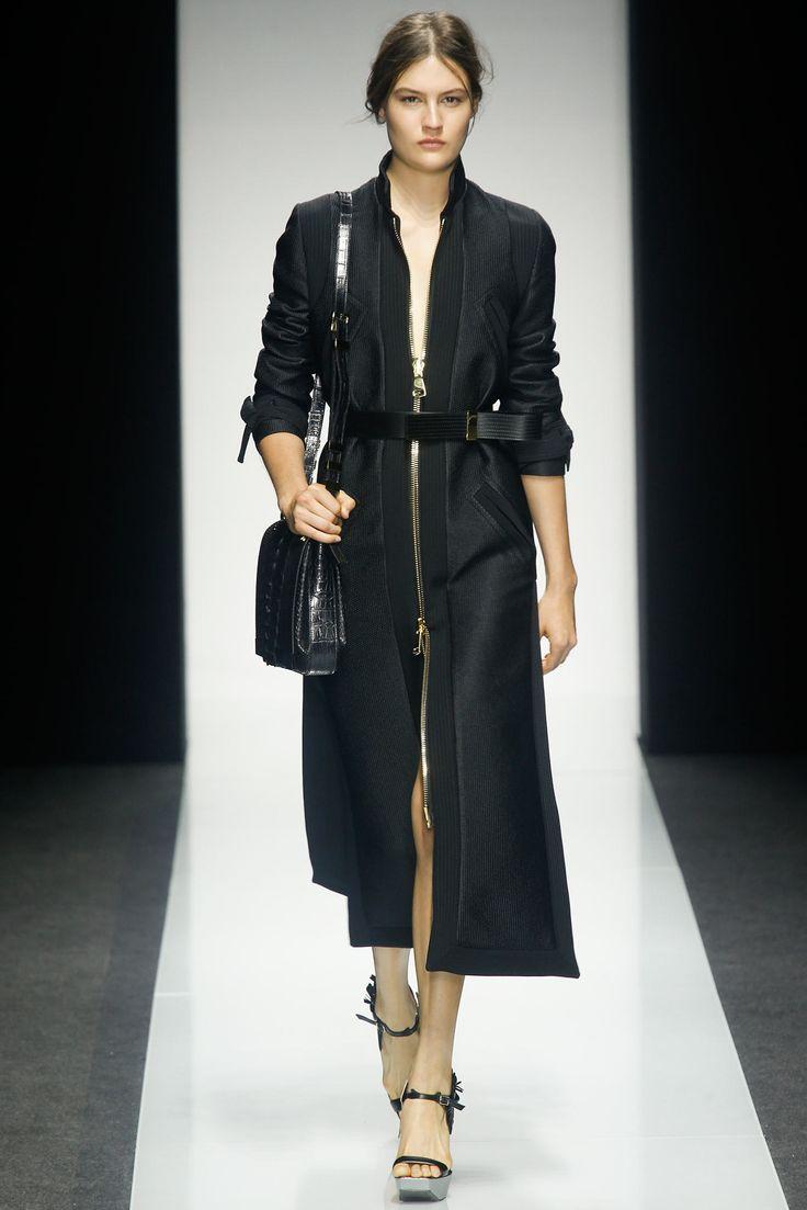 Gianfranco Ferré Spring 2014 Ready-to-Wear Fashion Show