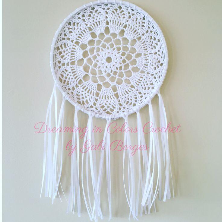 White and delicate. Todo Branco e delicado. #dreamingincolors  #artesanato #craft #dreamcatcher #crochet #art #arte #handmade #white #delicate #stjohns #newfoundland #stjohnsnl #yyt #canada