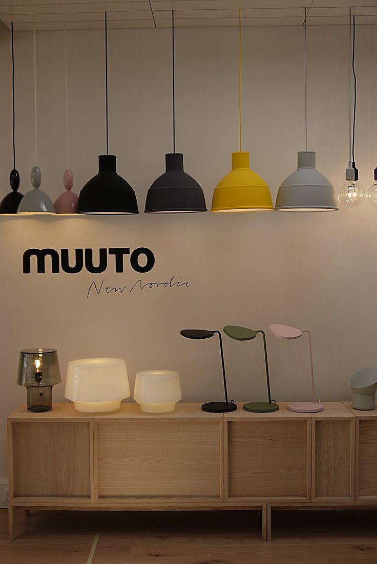 MUUTO Showroom @muutodesign bella un' infilata di queste luci di diverso colore