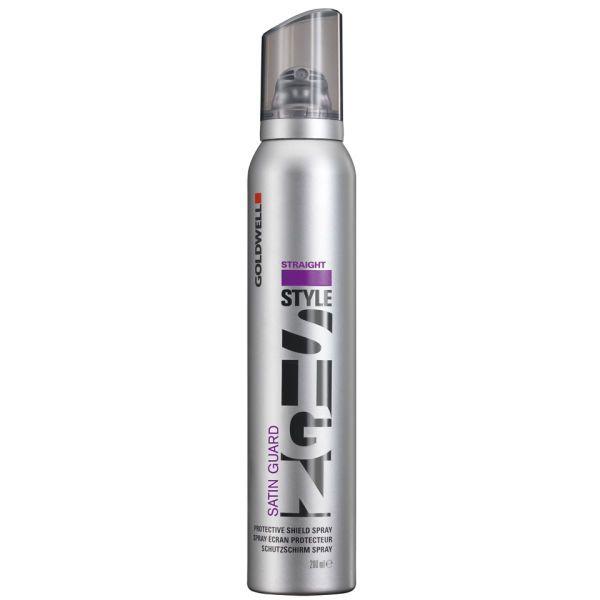 GOLDWELL STYLESIGN SATIN GUARD Gewichtloze beschermende spray voor zijdezachte houdbaarheid van de glad gestylde look. Omhult het haar als een onzichtbaar scherm. Blokt luchtvochtigheid effectief af - tot 72 uur. Met antistatisch effect en kleurbescherming.