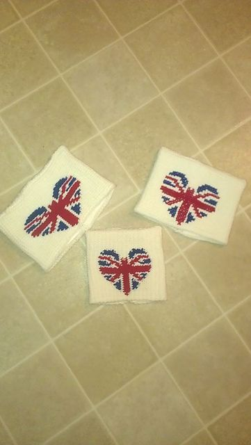 Ravelry: CandidQuilts' Sack Beanie - 1 Direction and Union Jack Heart