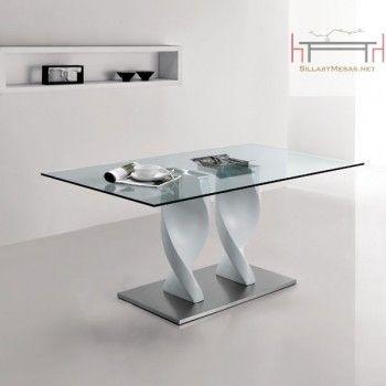Mesa de comedor de gran diseño y acabado . Mesa de comedor en formato rectangular con cristal tempaldo de color transparente fijo. 320,00 € portes e IVA incluidos